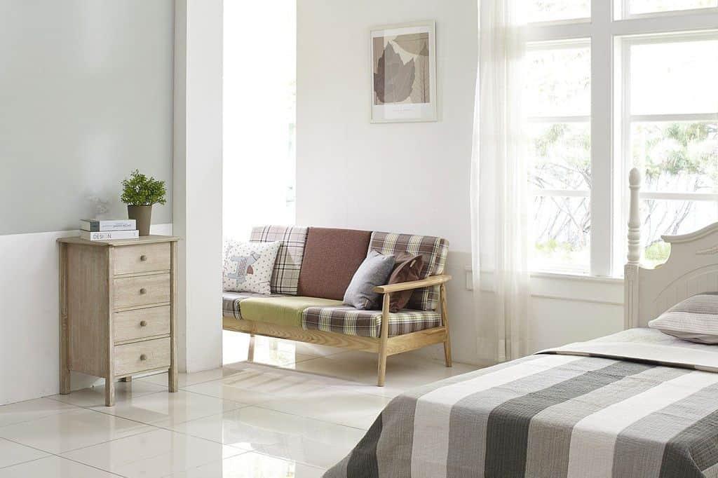 Una casa limpia ayudará a no atraer insectos molestos.